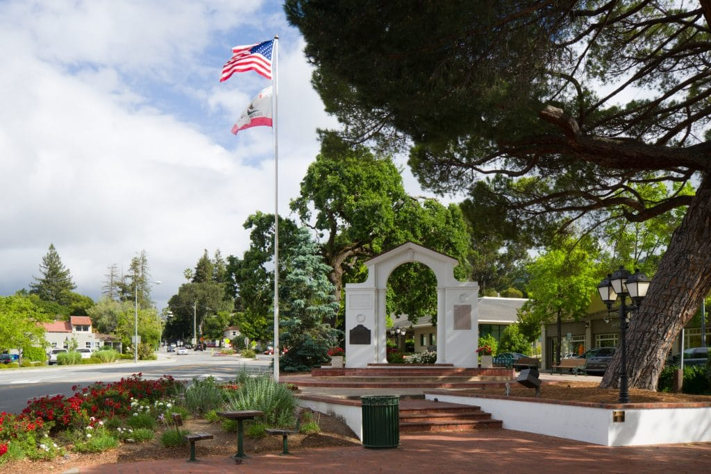 Saratoga, California - safest cities in california